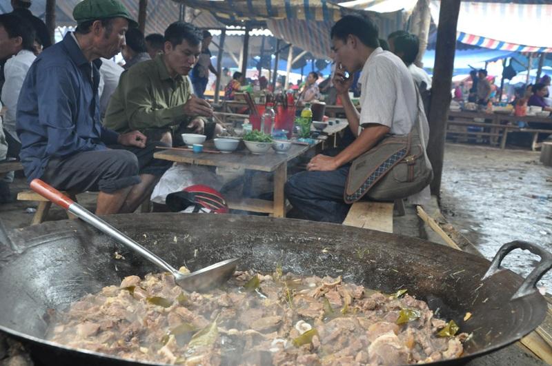 Thắng cố - Món ăn rất hợp với rượu ngô Hà Giang