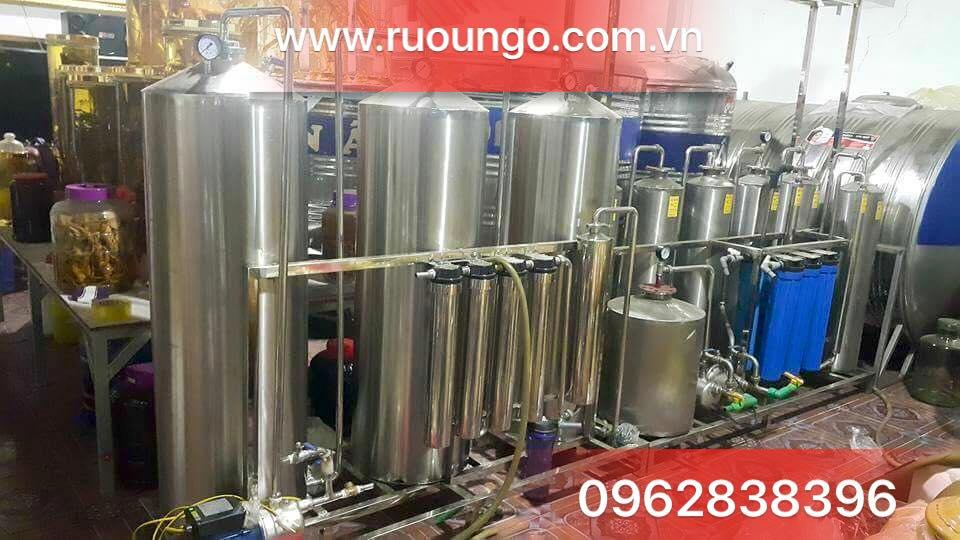 Máy lọc rượu, khử andehit và các độc tố có trong rượu.