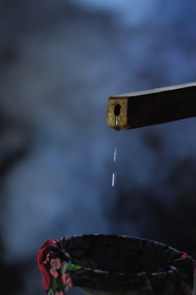 Ống gỗ dẫn rượu ngô