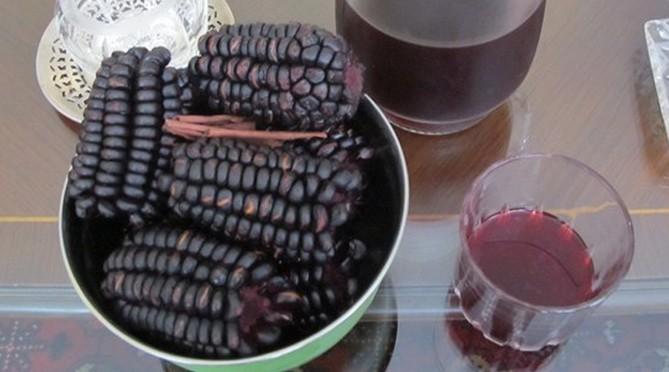 Rượu ngô tím được quảng cáo nấu từ ngô tím