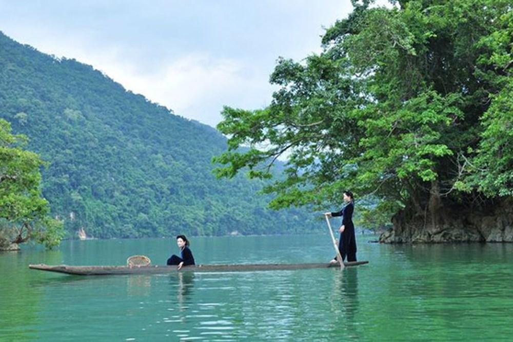Hồ Ba Bể - Danh lam thắng cảnh nổi tiếng của Bắc Kạn