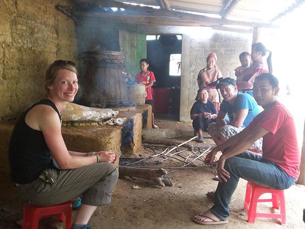 Làng nghề nấu rượu ngô truyền thống kết hợp du lịch ở Sùng Phài