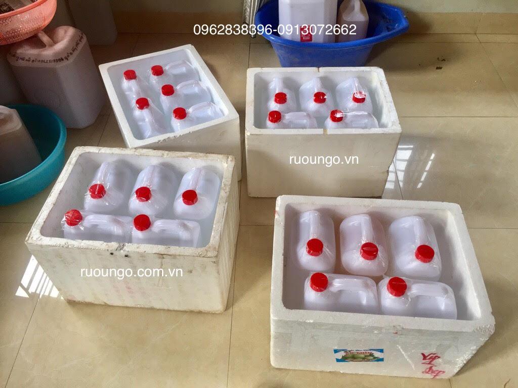 Chuyển rượu cho khách ở Thành phố Hồ Chí Minh