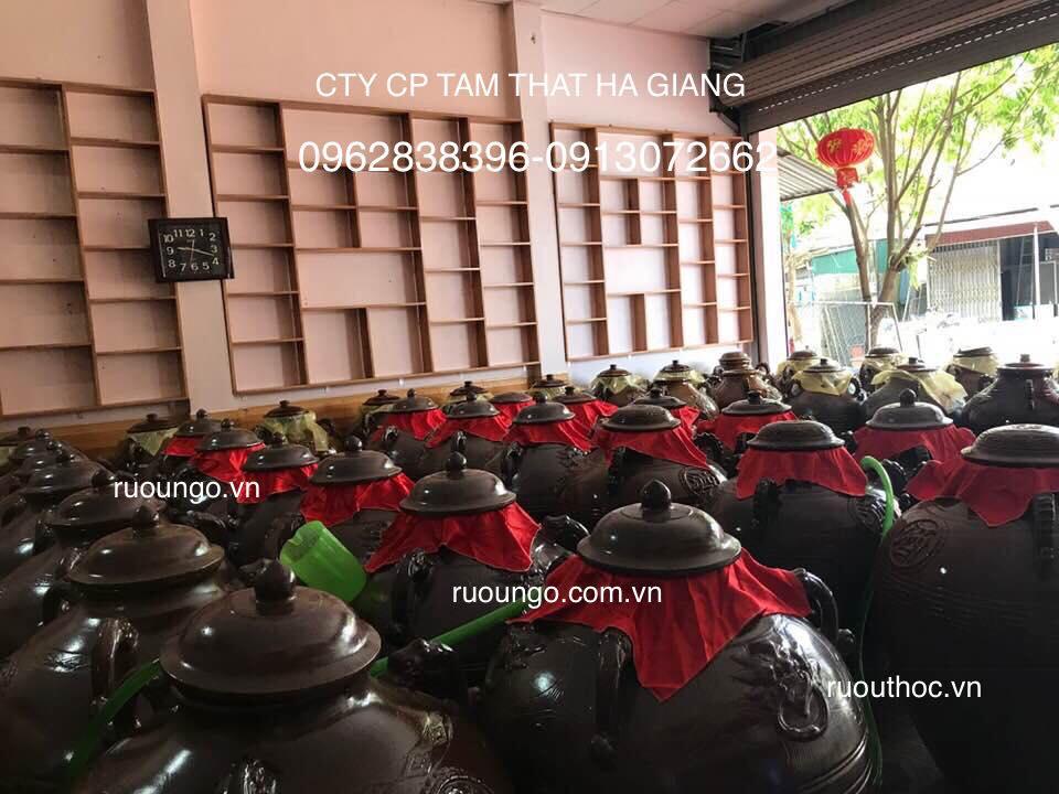 Cửa hàng giới thiệu rượu ngô của công ty tại Lai Châu